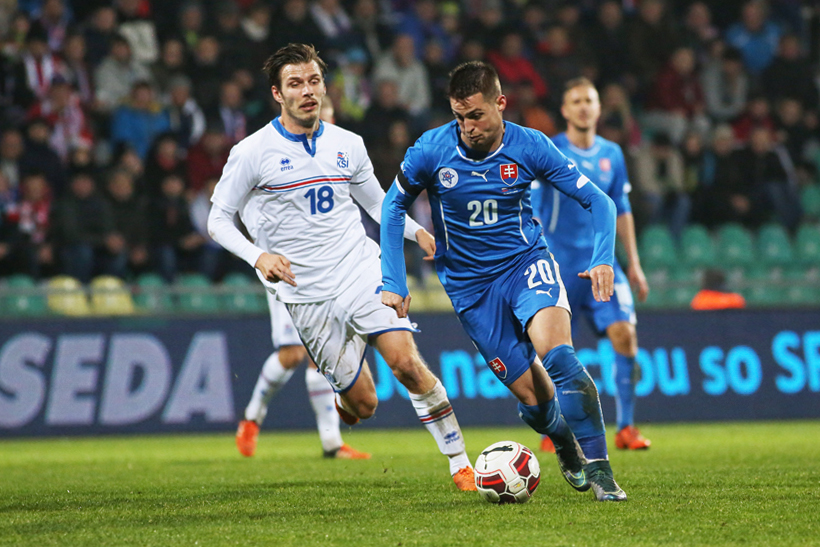 Fotenie futbalu Slovensko - Island