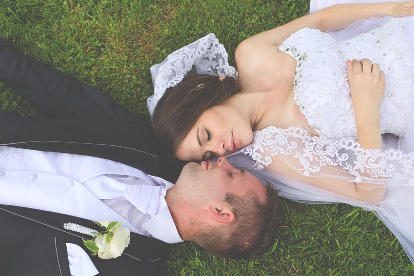 svadba fotenie v trave